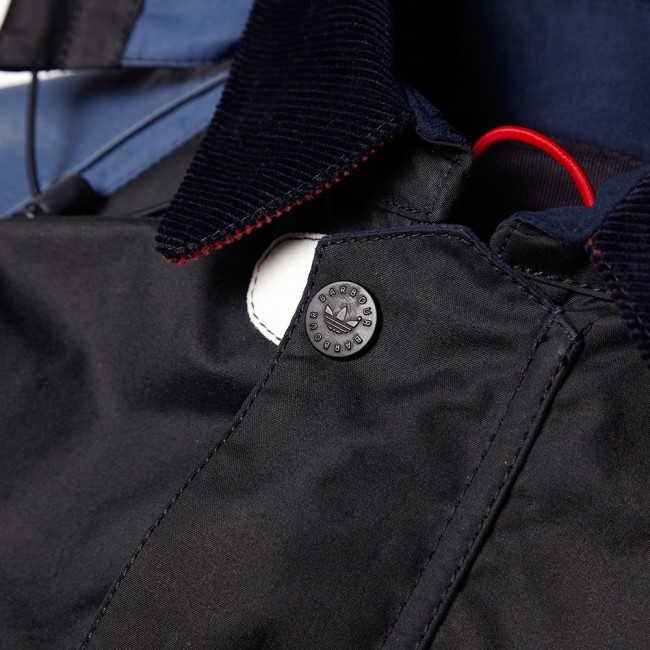 06-11-2014_adidas-x-barbourjohbarjacket_navy_6_bm
